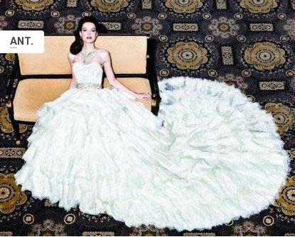 Vestido de diamantes y oro blanco