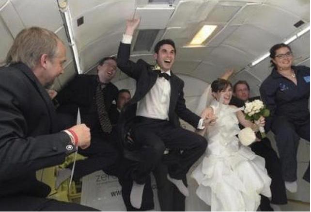 Fulmor Noé y Erin Finnegan  se casaron en un Boing 727.