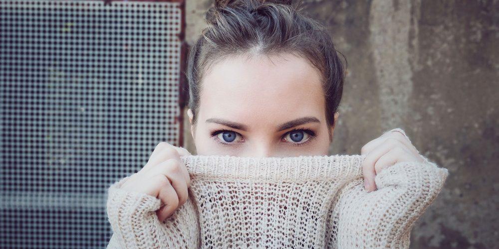 ¿Ojos hinchados el día de tu boda? Tips para maquillarlos