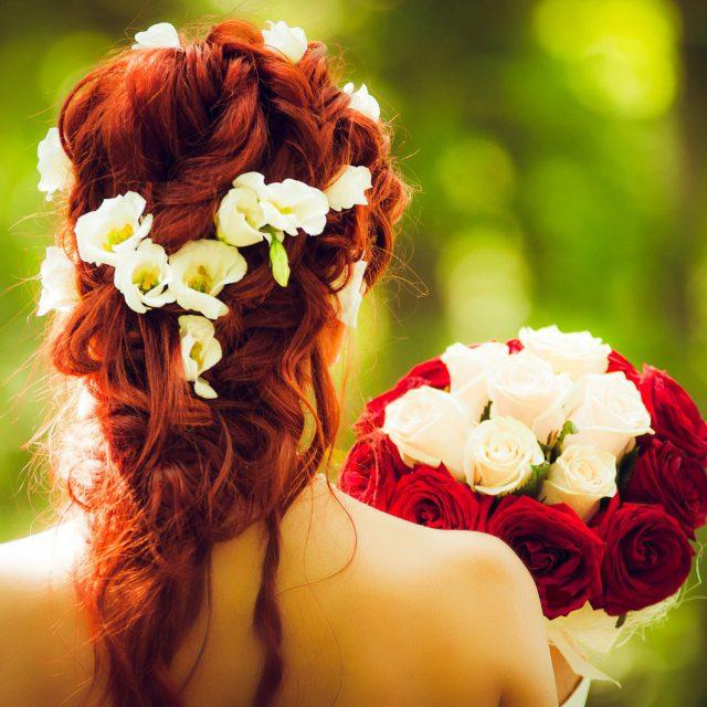 Errores que dañan el cabello antes de tu boda